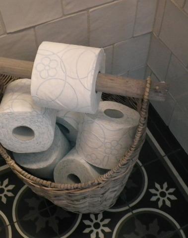 Rieten toiletrolhouder