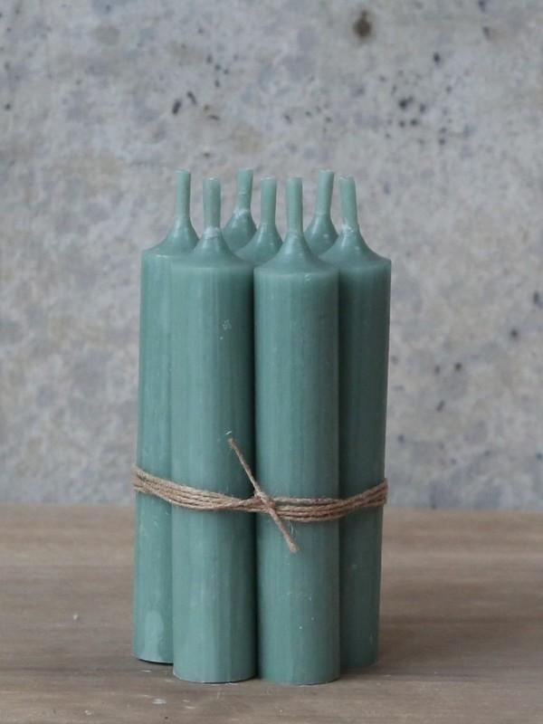 Korte diner kaarsen oud groen