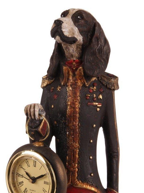 Hond staand met klok zwart