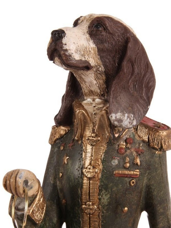 Hond staand met klok groen