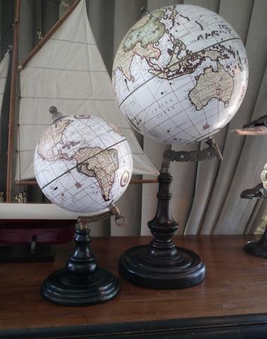 Wereldbol H 26 cm