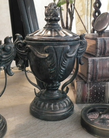 Decoratieve pot met deksel