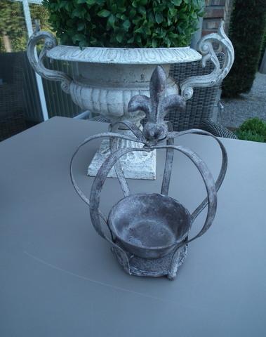 ijzeren kroon met franse lelie klein