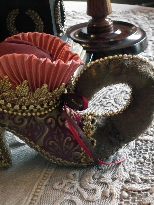 Schoentje Marie Antoinette bordeaux