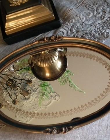 Dienblad met mooie spiegel