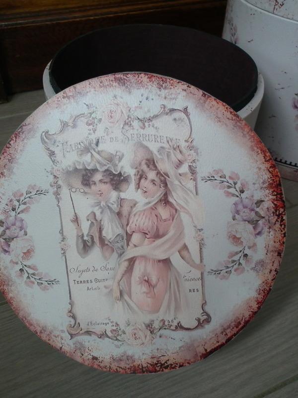 Hoedendoos vintage H 22,5 cm