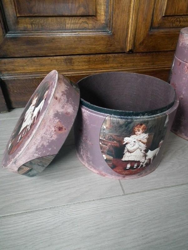 Hoedendoos vintage H 18.5 cm
