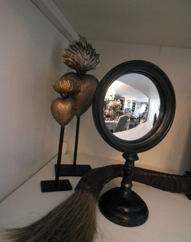 Heksen spiegel op voet H 23 cm