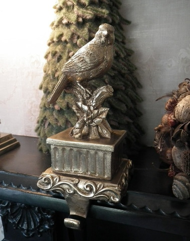 Gouden haak vogel op tak
