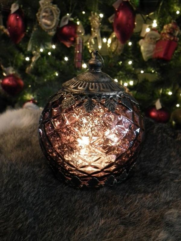 lantaarn bordeaux H 14 cm ( Led lampje op Batt. )