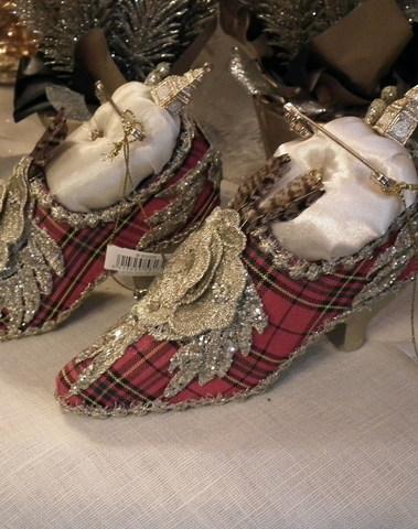 Royal shoes rood