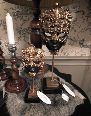 Venetiaans masker op sokkel goud en bruin H 34 cm