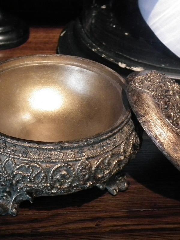 Barok pot met deksel oud goud H 12 cm