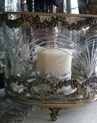 Sierlijk ovaal windlicht met geslepen glas