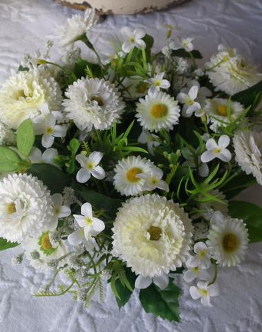 Zijde kransje D 23 cm wit & groen