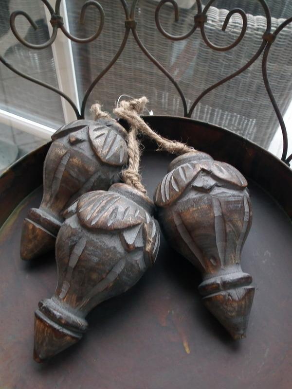 Hangende ornamenten groot spits grijs