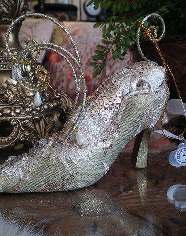 Shoe : once upon a time