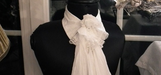 De Binnentuin - sjaals en decoratieve kragen voor op paspop